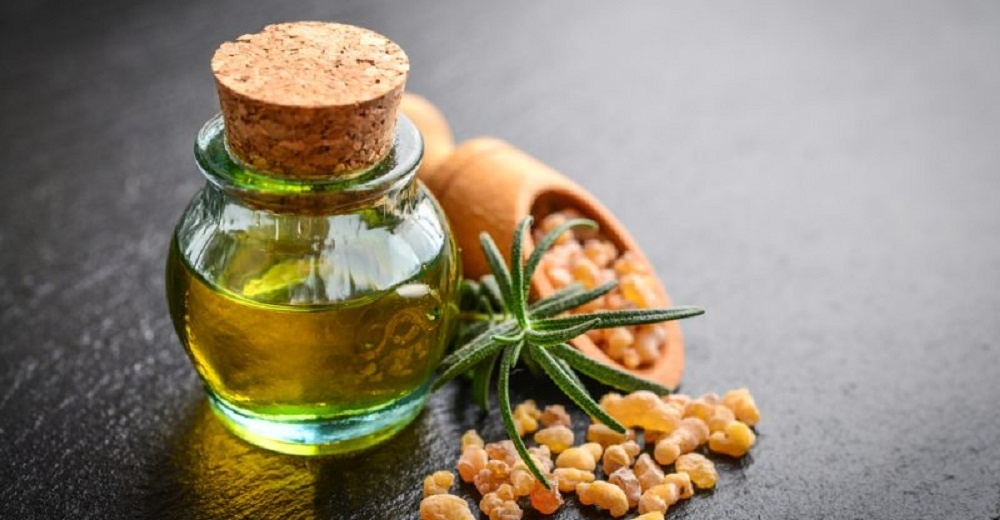 frankincense oil for skin tags