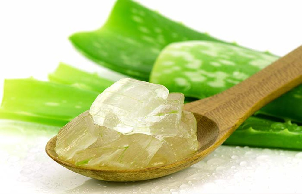 aloe vera gel for dry scalp