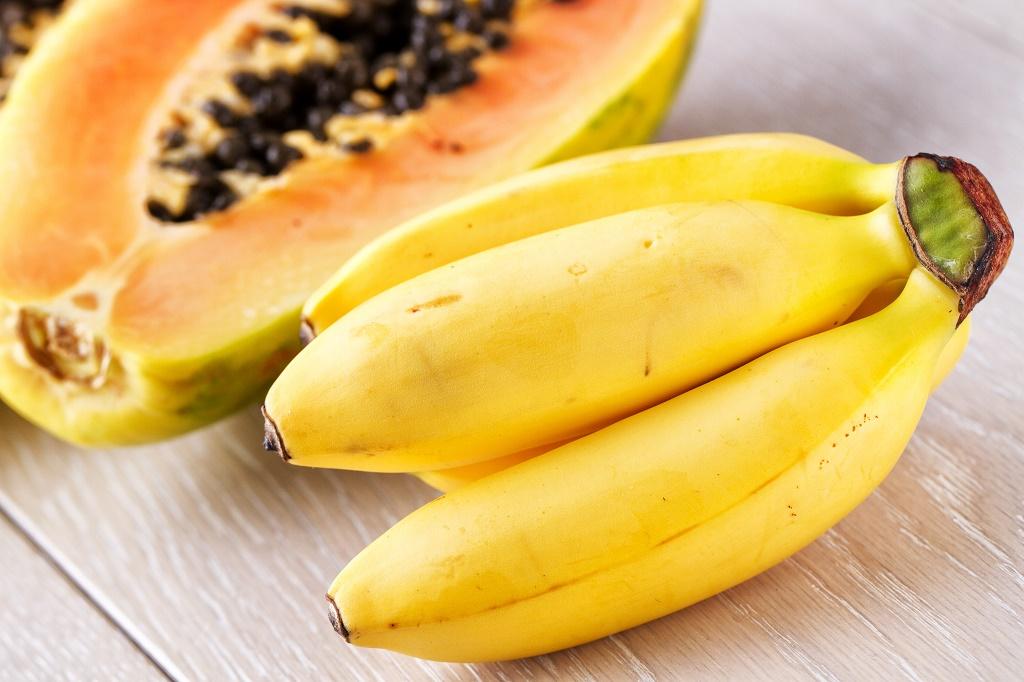 papayas and bananas for forehead wrinkles