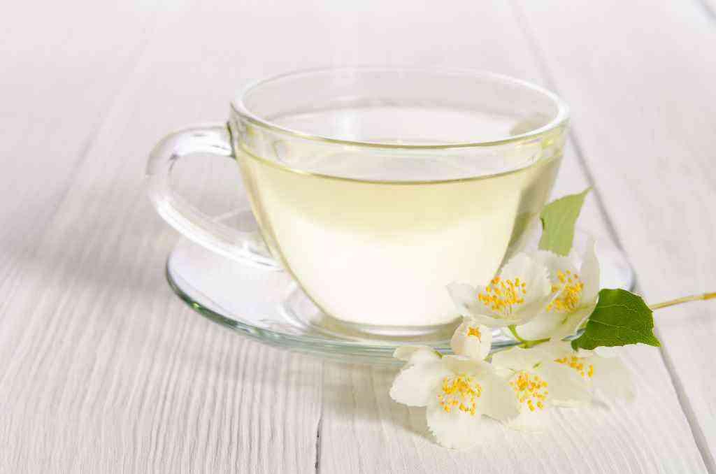 white tea for curing razor bumps