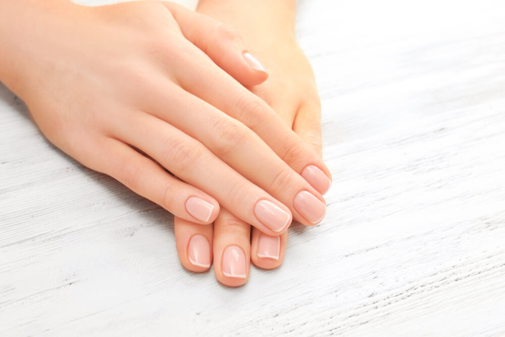 nails maintenance with ACV