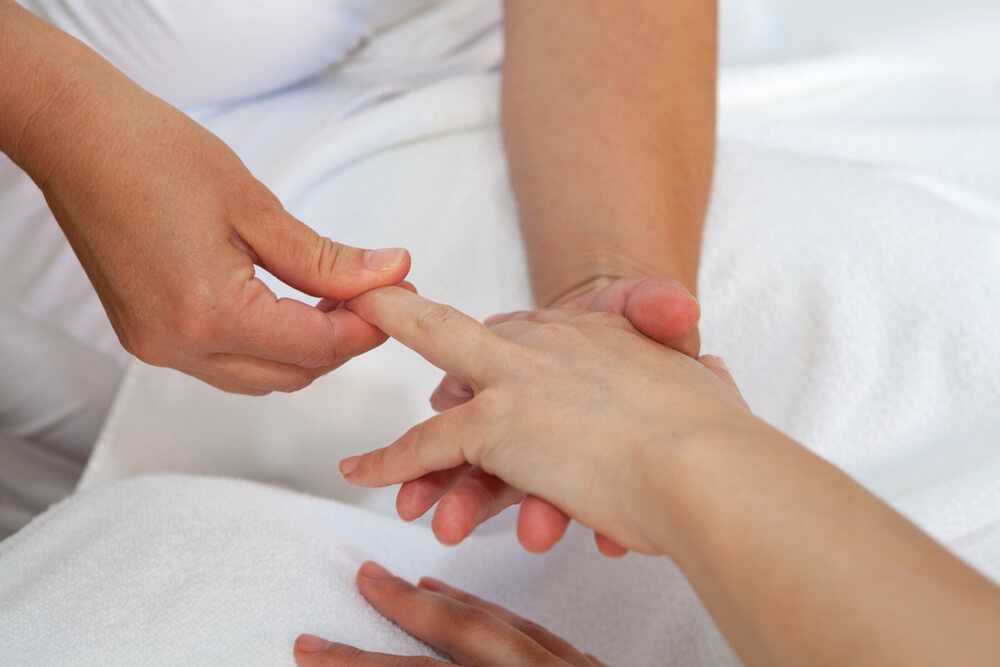 Lymphatic Massage: Effective Benefits, Methods And Precautions